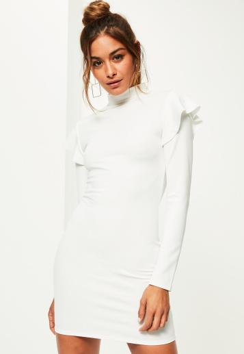 robe-moulante-blanche--froufrous-col-montant.jpg